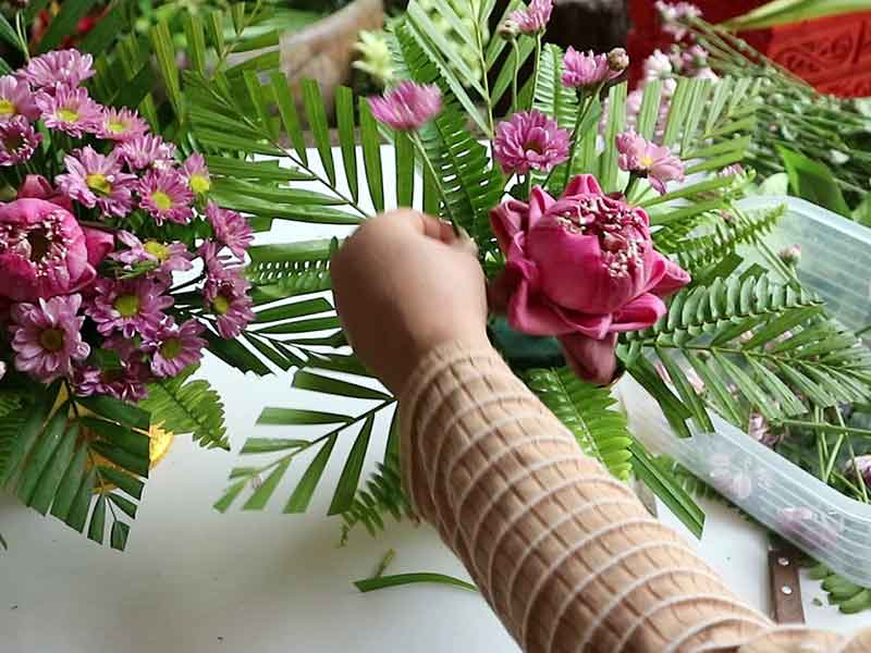 Flower-arrangements-